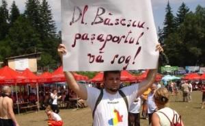 Mesajele iredentiste de pe tricoul si pancarta unui functionar public n-au starnit nici o reactie a autoritatilor poate si pentru ca...