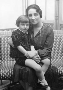 Zizi Lambrino alaturi de fiul sau Mircea Carol