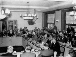 Prima intalnire a Clubului in incinta Hotelului Bilderberg - 1954