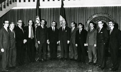 Sediul FMI, Washington, 15 decembrie 1972. Poza de grup după semnarea documentelor de aderare a României la FMI şi BIRD